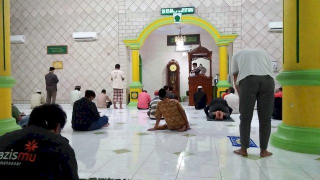 MCCC Makassar Ajak Jemaah Masjid Disiplin Terapkan Protokol Kesehatan