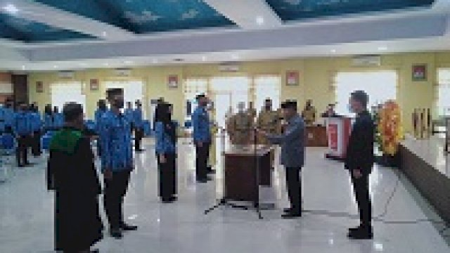 Penyerahan SK dan pengambilan sumpah jabatan 248 CPNS 2018 Jeneponto. (ist)