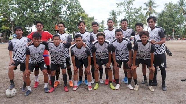 Pemain PSM saat mengenakan jersey Katti-Katti FC. (Sulselsatu/Indra Sadli Pratama)
