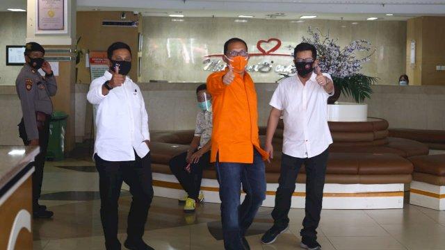 Moh Ramdhan Pomanto bersama rival-rivalnya di Pilwali Makassar tes kesehatan di PCC RUSP Wahidin Sudirohusodo. (ist)