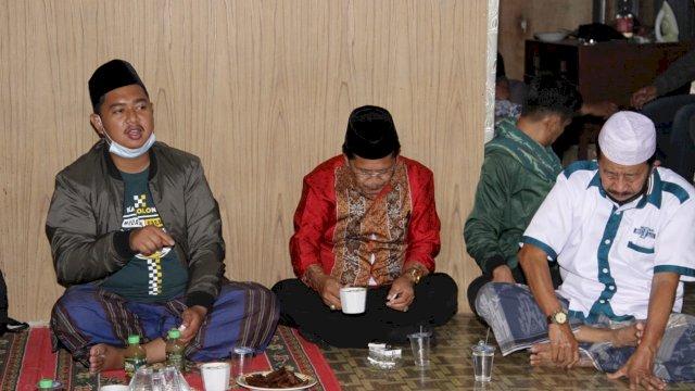 Diajak Warga, Calon Bupati Mudassir Menginap di Gattareng