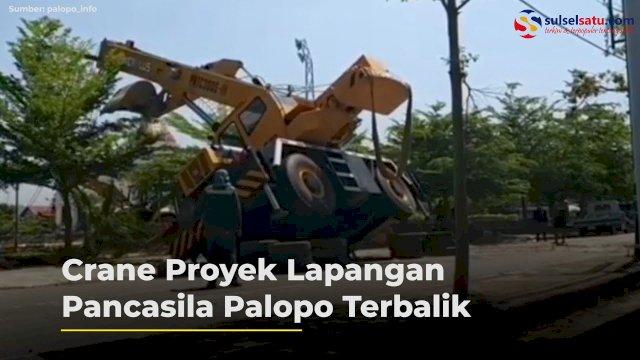 VIDEO: Mobil Crane Proyek Lapangan Pancasila Palopo Terbalik