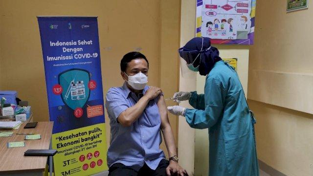 Ini Pesan Rudy Djamaluddin Usai Disuntik Vaksin Tahap Dua