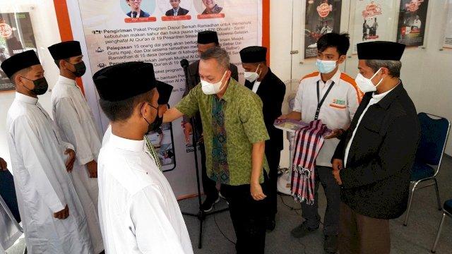 Yayasan Hadji Kalla Lepas Dai Muda Bertugas di Desa