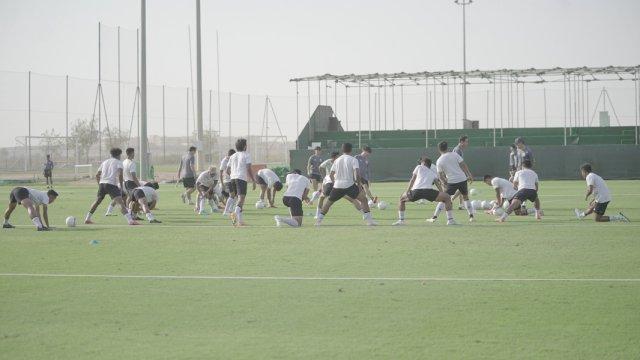 Latihan Timnas Indonesia di JA (Jebel Ali) Sports Center and Shooting Club, Dubai, Uni Emirat Arab, Senin (24/5/2021). Foto: PSSI