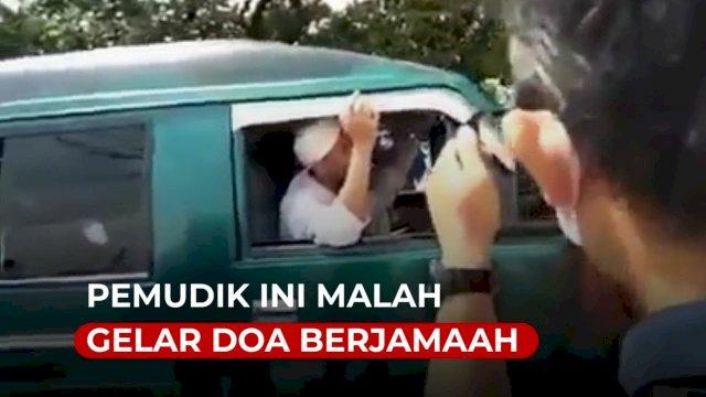 VIDEO: Diminta Putar Balik, Pemudik Ini Malah Gelar Doa Berjamaah