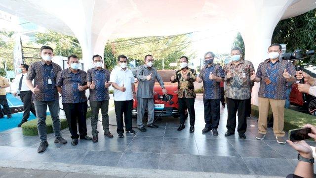 Pertama di Indonesia Timur, PLN Resmikan SPKLU di Makassar