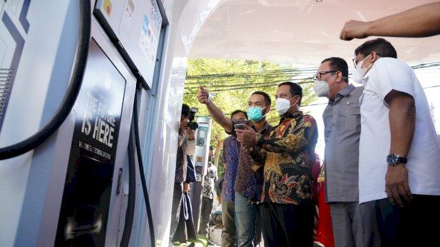 Plt Gubernur Sulsel Launching Stasiun Pengisian Kendaraan Listrik Umum PLN Mattoanging
