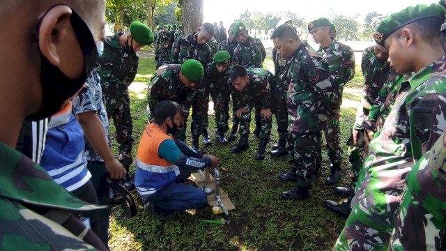 PDAM Makassar Latih 200 Personil Yonzipur-8/SMG Cara Ganti Meteran