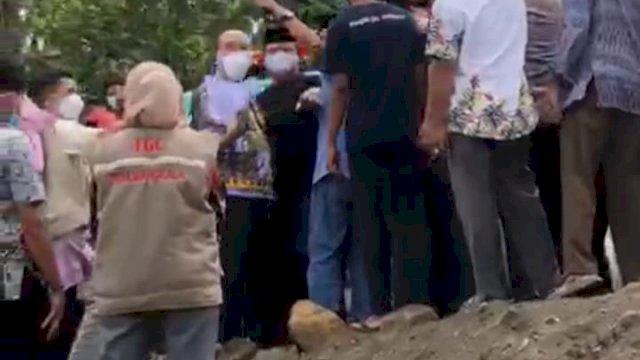 Tak Percaya Keluarganya Meninggal Karena Corona, Oknum Lurah Diduga Provokatori Massa Keroyok Jubir Satgas Covid-19 Jeneponto