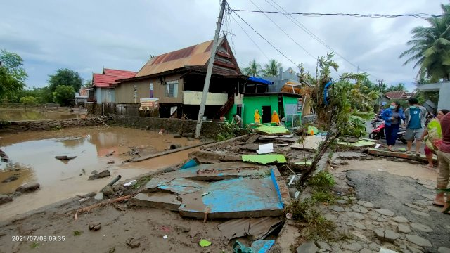 BPBD Jeneponto Cuma Punya 1 Armada Pengangkut Air Bersih untuk Korban Banjir