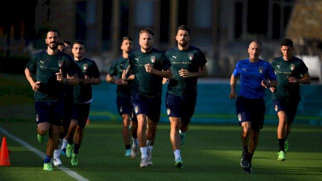 Skuat Italia berlatih jelang menghadapi 8 besar Euro 2020 melawan Belgia.
