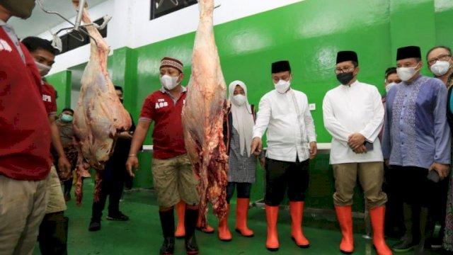 Antisipasi Lonjakan Harga Daging Jelang Lebaran, Sudirman Sulaiman Bersama Danny Sidak RPH Ruminansia Manggala