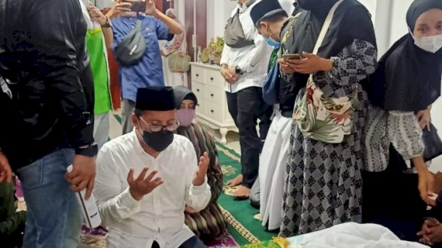 Sampaikan Duka, Begini Sosok KH Sanusi Baco di Mata Wali Kota Makassar