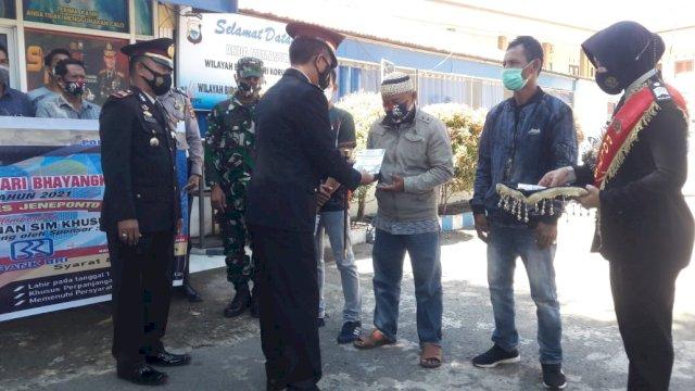 25 Warga Jeneponto Lahir 1 Juli Dapat SIM Gratis di HUT Bhayangkara