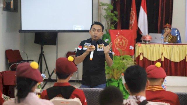 Wakil Ketua DPRD Sulsel Syaharuddin Alrif Motivasi Mahasiswa Kristen se-Sulawesi di Palopo