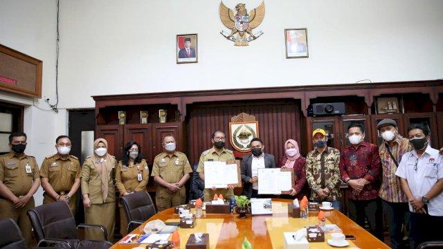 Wali Kota Danny Bersama KPU Makassar Teken MoU Tentang Kelurahan Peduli Pemilu dan Pemilu