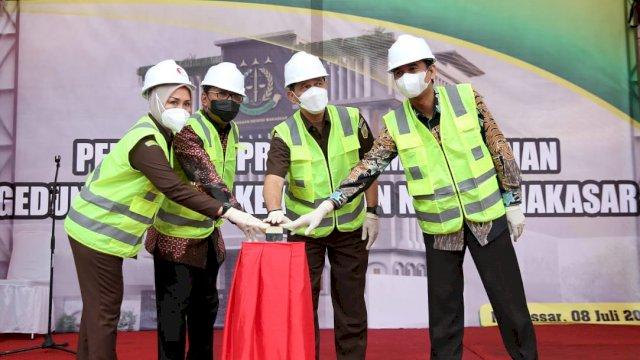 Danny Hadiri Ground Breaking Pembangunan Kajari Makassar