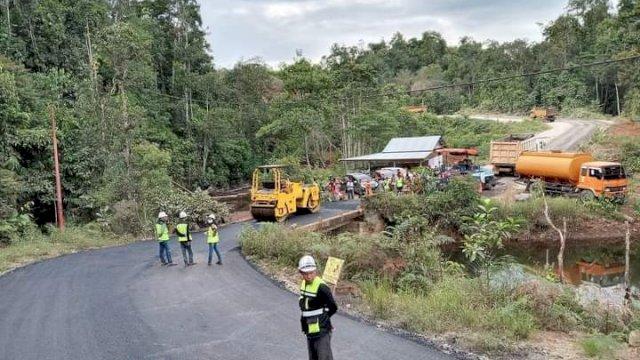 Plt Gubernur Sulsel Lanjutkan Pembangunan Ruas Jalan Penghubung Lutim-Sulteng
