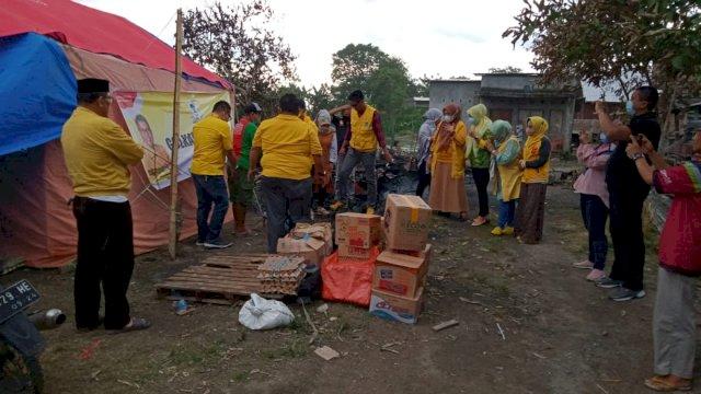Korban Kebakaran di Bintarore Dapat Santunan dari Golkar Bulukumba