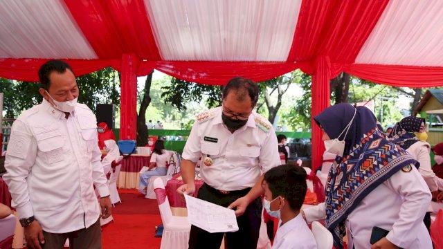 Danny Bersama Kabinda Sulsel Hadiri Vaksinasi Massal Pelajar SMP