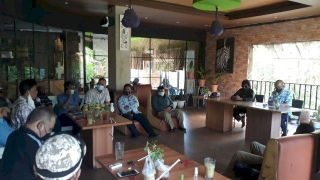 Senator Ajiep Padindang Serap Aspirasi Forum LPM Kota Makassar