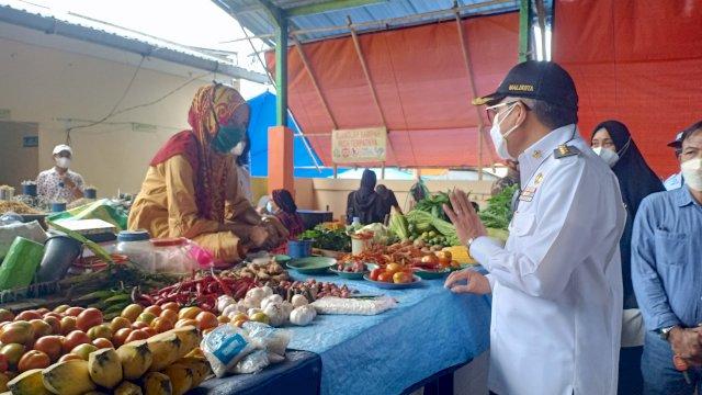 Taufan Pawe Pantau Pasar Sumpang Minanga'e Parepare