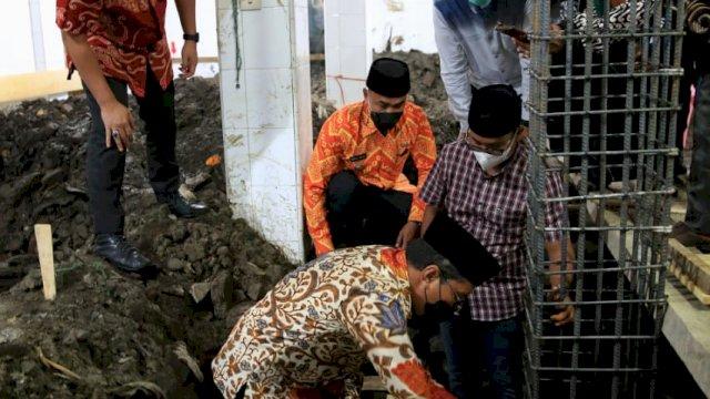 Danny Pomanto Letakkan Batu Pertama Pembangunan Masjid Babu Taubah