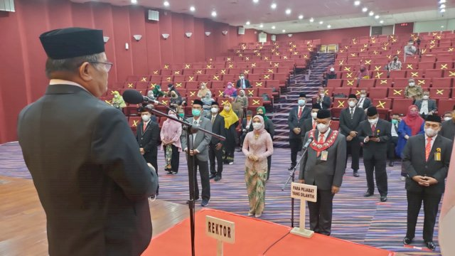 Lantik 26 Pejabat Baru, Ini Pesan Rektor UNM