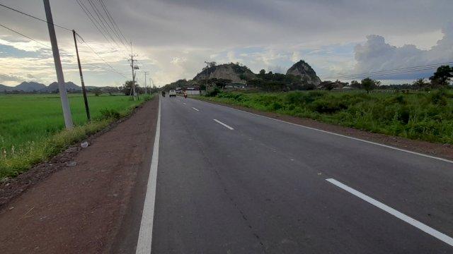 Di Soppeng, Plt Gubernur Sulsel Resmikan Ruas Pangkajene Sidrap – Batas Soppeng