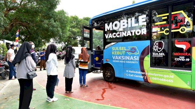 Persiapkan Pembelajaran Tatap Muka, Pemprov Sulsel Vaksin 1000 Siswa SMA