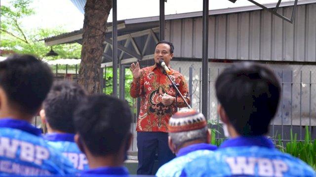 Plt Gubernur Sulsel Buka Vaksin Halal dan Aman di Lapas Kelas 1 Makassar