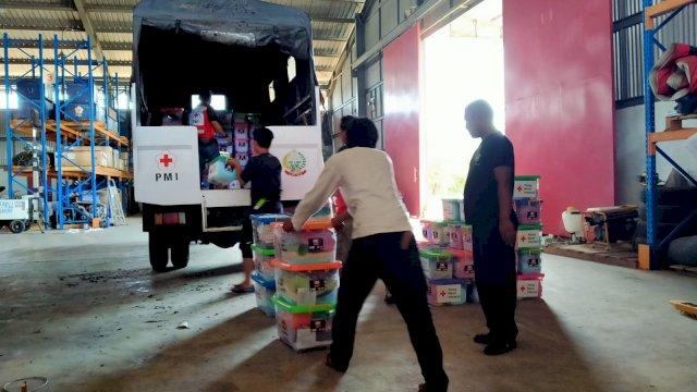 Gerak Cepat PMI Sulsel Salurkan Bantuan ke Daerah Terdampak Banjir