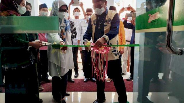 Rektor UNM Resmikan Z-mart Masjid Nurul Ilmi, Kolaborasi Baznas dan Pengurus Masjid