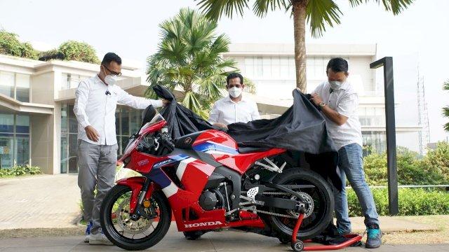 Motor Super Sport Astra Motor CBR600RR Sampai pada Konsumen Pertama di Indonesia