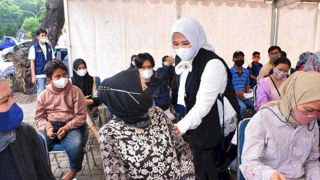 Sentra Vaksinasi NasDem Makassar Diapresiasi Fatmawati Rusdi