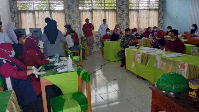 Puluhan Pelajar di SMK Negeri 10 Jeneponto Ikut Vaksinasi Covid-19