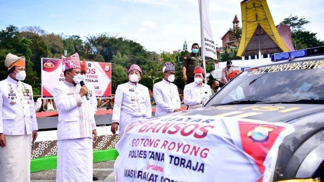 Disambut Antusias Warga, Plt Gubernur Pantau Layanan Vaksinasi Mobile Vaccinator di Tana Toraja