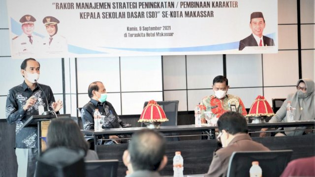 Rudianto Lallo Sampaikan ke Kepsek se-Kota Makassar Pentingnya Pendidikan Karakter Bagi Siswa