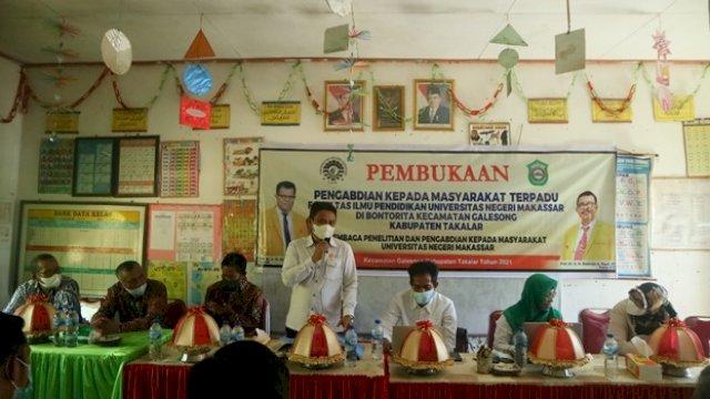 Dosen PGSD UNM Latih Guru di Galesong Membuat Media Literasi Pembelajara Daring dan Luring
