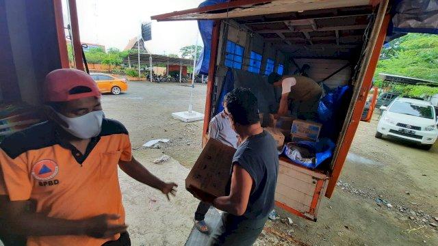 BPBD Sulsel Salurkan Bantuan Logistik Bagi Korban Banjir di Wajo dan Bone