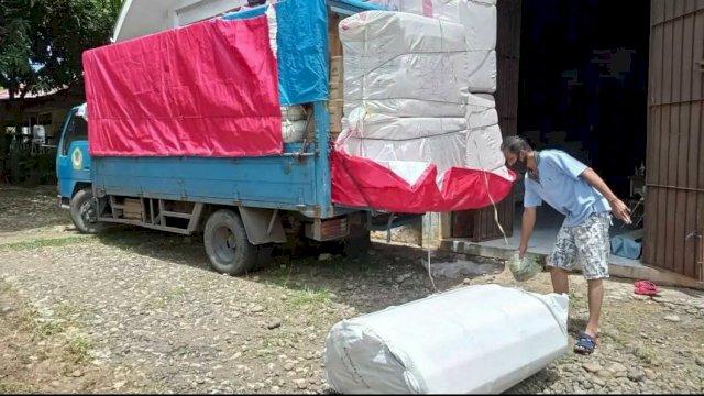 Plt Gubernur Sulsel Kirim Bantuan untuk Korban Angin Puting Beliung di Wajo