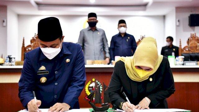 Hadiri Rapat Paripurna, Plt Gubernur Apresiasi Kinerja Dewan Lebih Cepat Rampungkan Pembahasan APBD