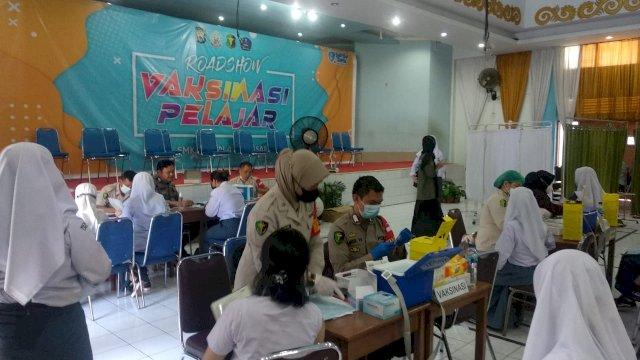 Sulsel Kebut Vaksinasi, 1.378 Pelajar Jalani Vaksinasi Sehari di SMKN 4 Makassar