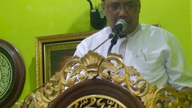 Kepala Bappeda Bawakan Program Zikir dan Tausiyah Pemkot Parepare di Masjid Nawing Al-Amin