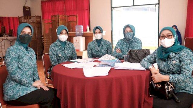 Priska Adnan Minta Kader PKK Gowa Edukasi Pentingnya Vaksin Covid-19