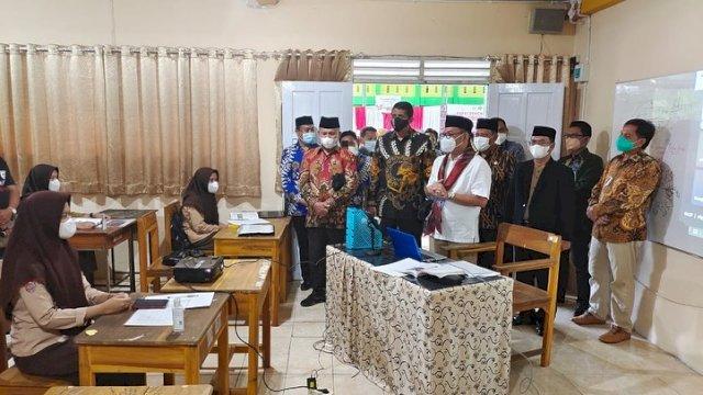 Rombongan Anggota Dewan Perwakilan Rakyat Republik Indonesia (DPR RI)