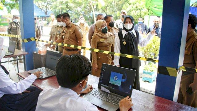 Tinjau Simulasi PTM di SMPN 15 Makassar, Fatma Sebut Akan Evaluasi Day to Day