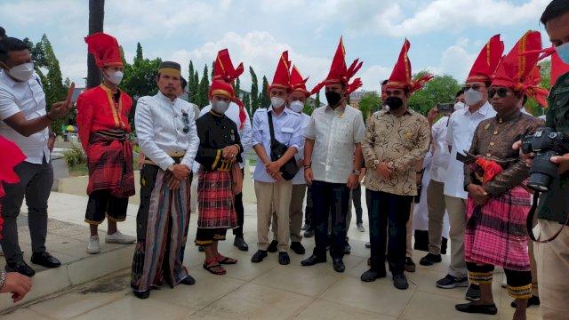 Kunjungan ke Gowa, Ahmad Muzani Dapat Pin Kehormatan dari Lembaga Kerajaan