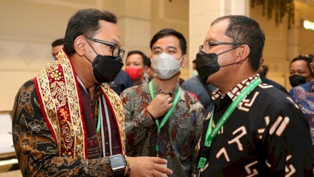 Tinjau Booth Makassar, Bima Arya-Gibran: Luar Biasa Booth dari Makassar